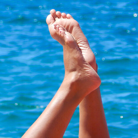 5 Simple Foot Care Tips for Healthy & Happy Feet